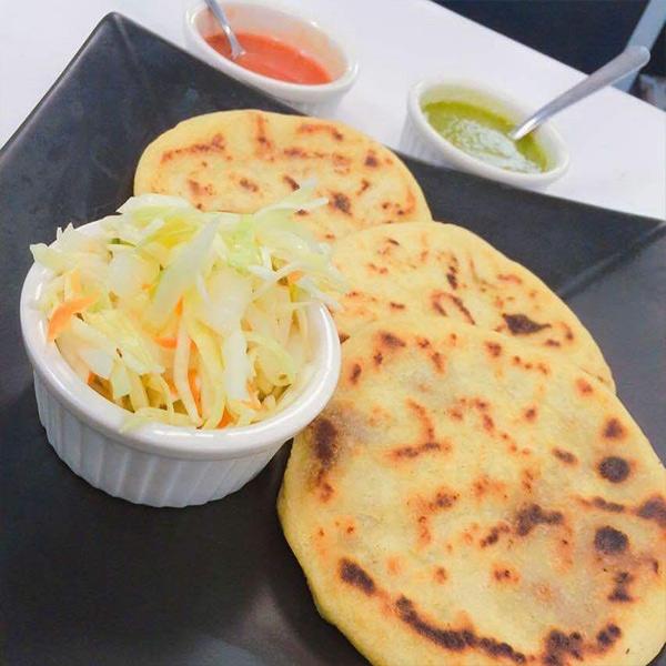 "Pupuseria & Restaurant ""El Cuscatleco"""